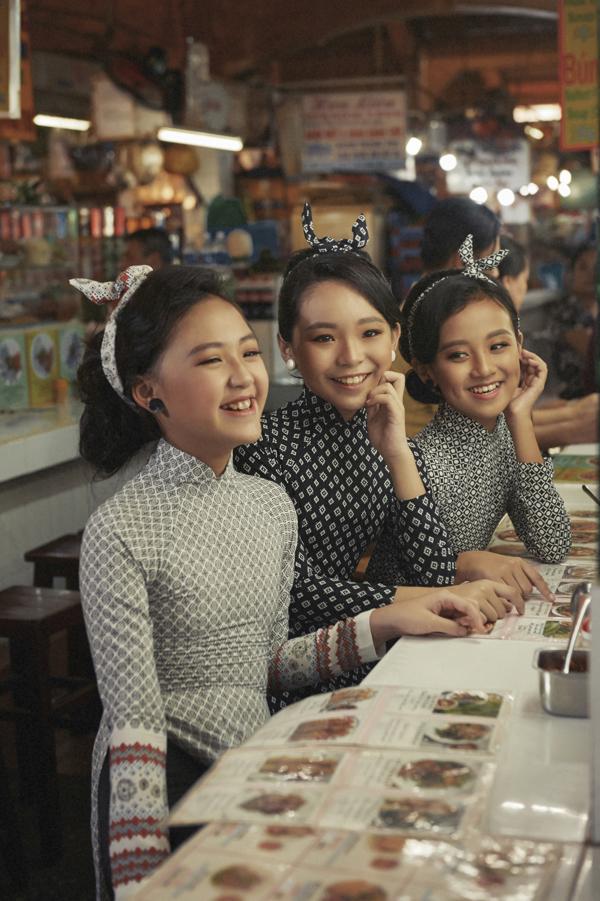 Mẫu nhí diện áo dài hóa thân thành cô gái Sài Gòn xưa