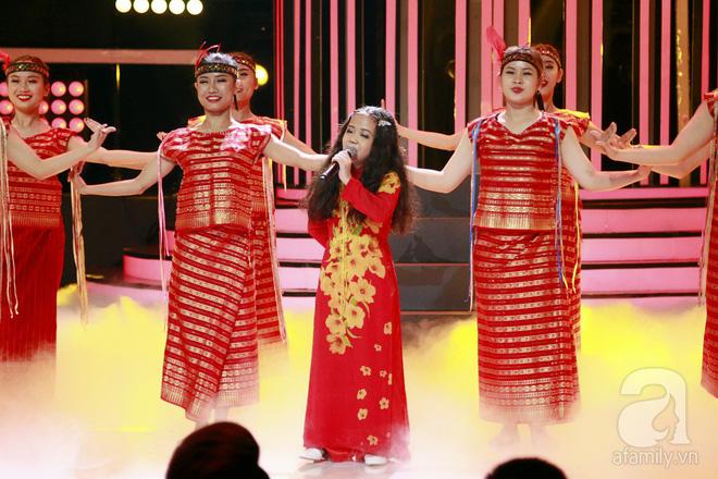 Vượt mặt con gái Trang Nhung, ốc mỡ Thụy Bình xuất sắc giành ngôi vị quán quân Gương mặt thân quen nhí 2017