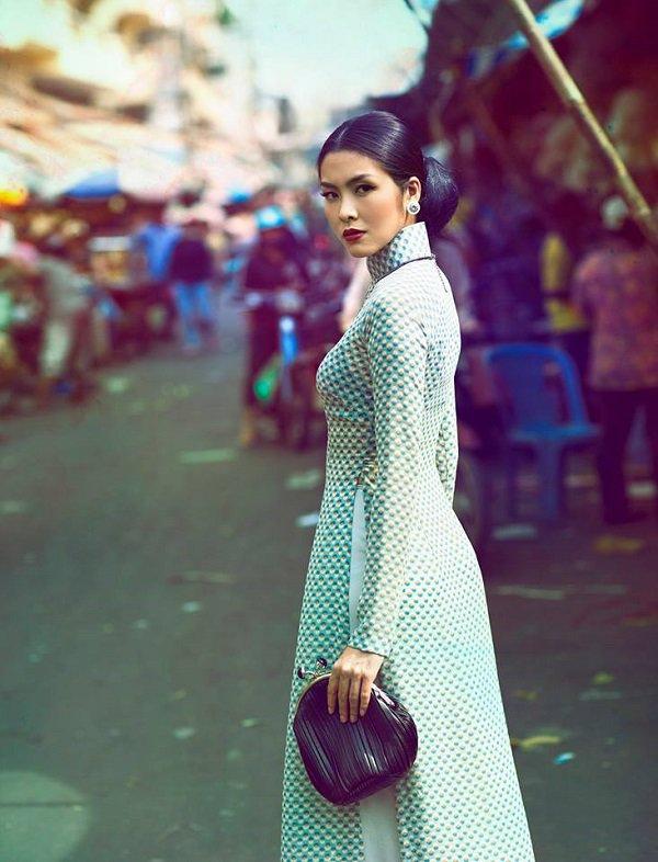 Điểm lại những lần diện áo dài khiến người hâm mộ mê mẩn của Tăng Thanh Hà