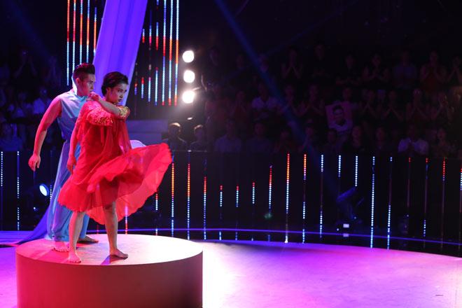 Bà mẹ một con đăng quang Quán quân Bước nhảy ngàn cân 2017