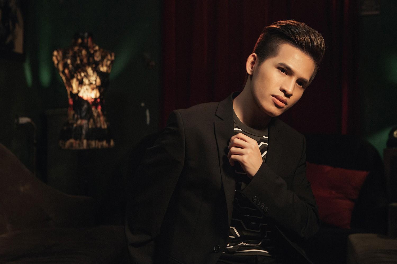 """Quốc Thiên lần đầu hát nhạc Khắc Việt, làm MV ballad sầu não về tình yêu """"đôi đũa lệch"""""""