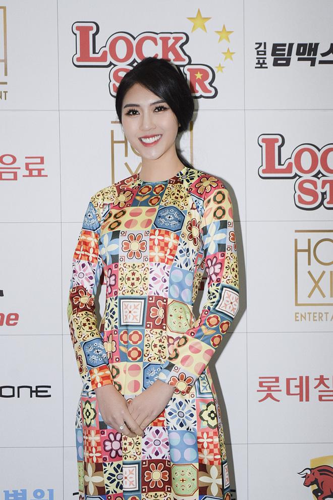 Á quân The Face - Tường Linh bất ngờ xuất hiện trên đài SBS Hàn Quốc
