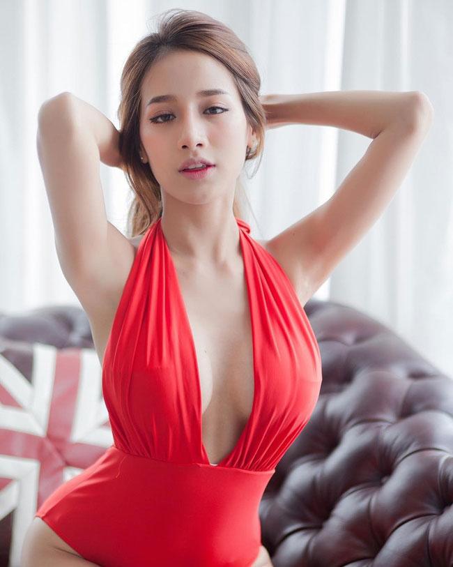 Nữ thần gợi cảm khiến quý ông Thái Lan không ngừng khao khát