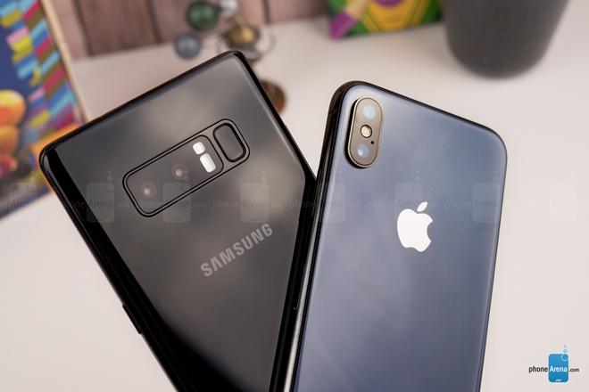 So sánh iPhone X với Galaxy Note 8: Cuộc chạm trán nảy lửa