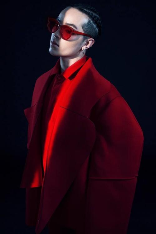 'Ông hoàng phụ kiện' Kelbin Lei và bộ sưu tập kính khiến ai cũng tâm phục khẩu phục