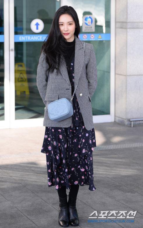 Sao Hàn ai nấy đều có kiểu áo này trong tủ, bạn cũng nên thế!