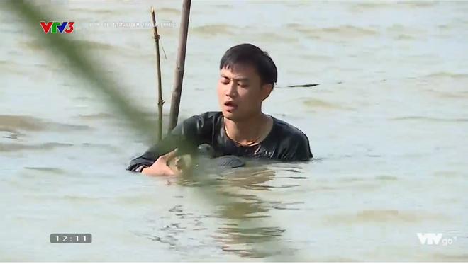 Bố ơi: MC Hồng Phúc bật khóc khi làm cá vì mắc chứng sợ máu kinh niên
