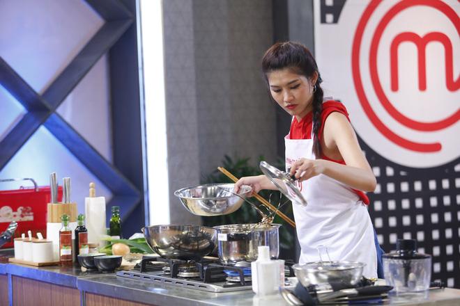 Quỳnh Châu thất bại trước Pha Lê và ra về ngay vòng đầu Vua đầu bếp Việt