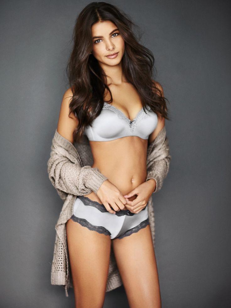 Tân binh Bruna Lirio của Victorias Secret có gì ấn tượng?