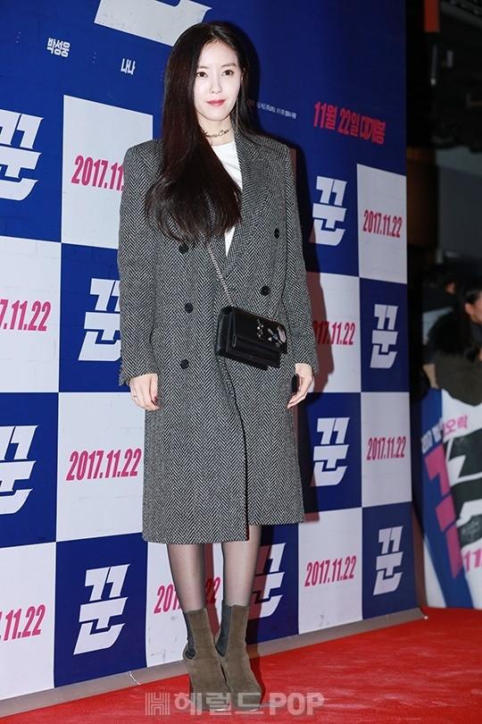Sự kiện gây sốt: Cặp đôi Reply 1988 bất ngờ đụng độ, Yoona cùng dàn tài tử, idol siêu hot đến ủng hộ Hyun Bin