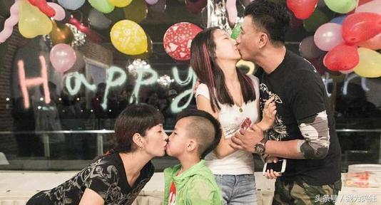 """Sao nam Hoa ngữ hứng """"gạch đá"""" vì hôn môi con gái"""