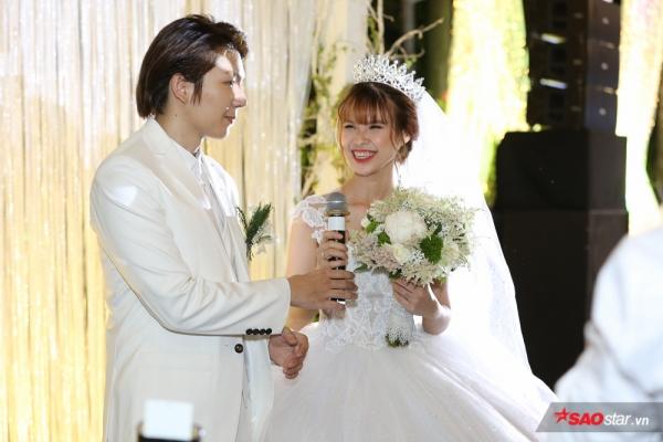 Không thể tình hơn, Khởi My - Kelvin Khánh hôn nhau 15 giây trong tiệc cưới