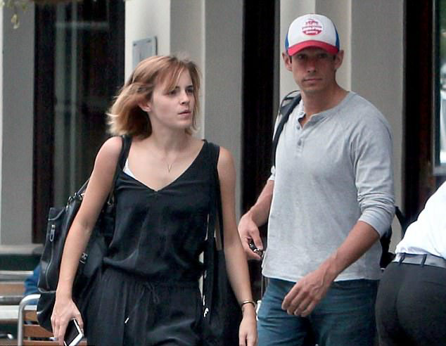 Emma Watson chia tay doanh nhân công nghệ sau hai năm hẹn hò