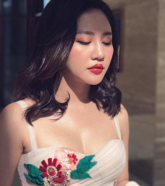 Bị đồn đi khách giá 3-5 triệu đồng, Văn Mai Hương đáp trả khiến anti-fan xanh mặt - Hình 1