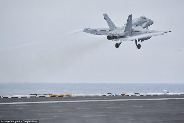 Không khí sẵn sàng trên siêu tàu sân bay Mỹ tiến vào cửa ngõ Triều Tiên - Hình 2