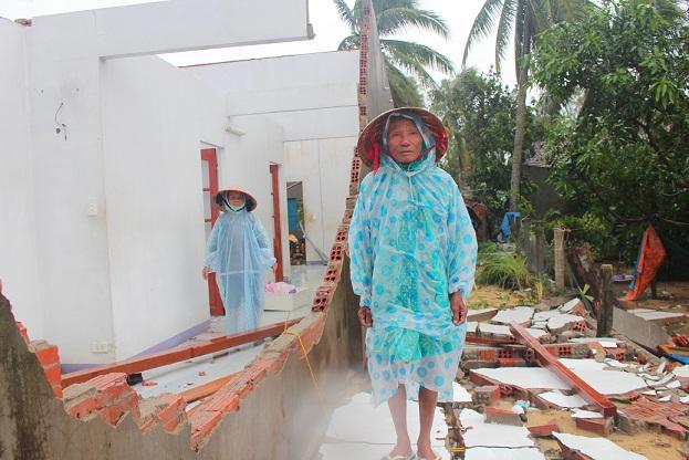 Hội Nông dân Quảng Nam giúp dân vùng lũ sửa nhà - Hình 1