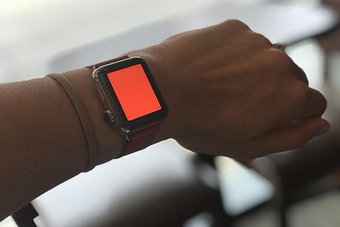 Biến Apple Watch thành đèn pin chiếu sáng - Hình 1