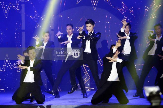 Bobby (iKON) không ngừng nhún nhảy khi Noo Phước Thịnh cháy trên sân khấu - Hình 2