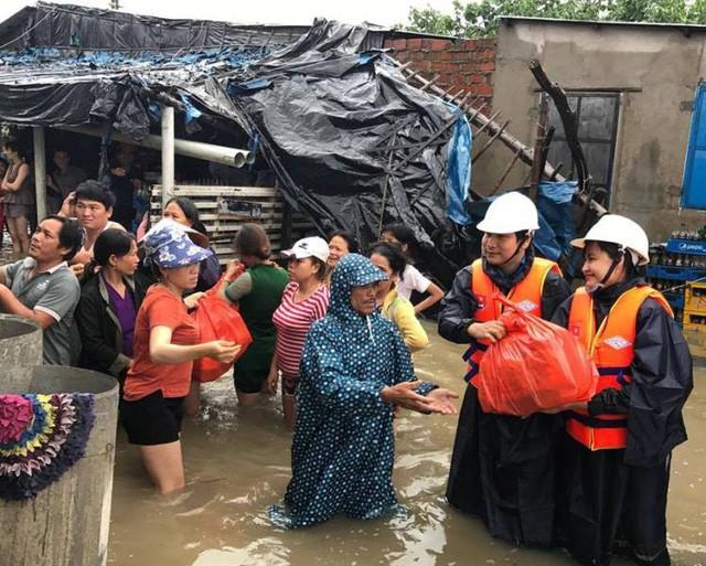 Các tỉnh vùng lũ cần hỗ trợ khẩn cấp gần 32.000 tấn gạo - Hình 1