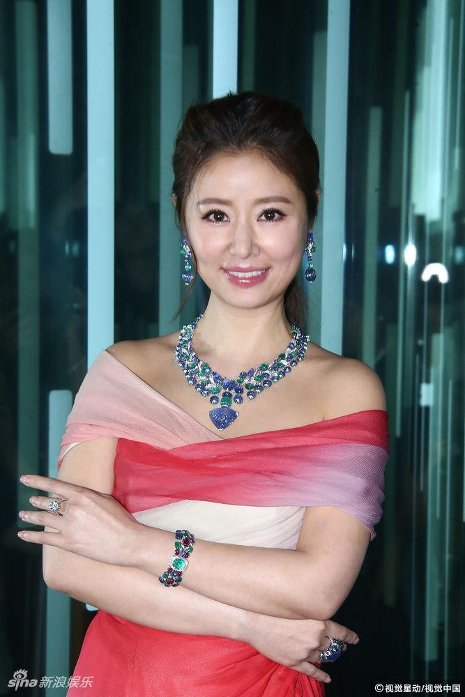 Con gái rượu chưa đầy 1 tuổi, Lâm Tâm Như đã dành tặng số nữ trang trị giá 300 tỷ đồng - Hình 2