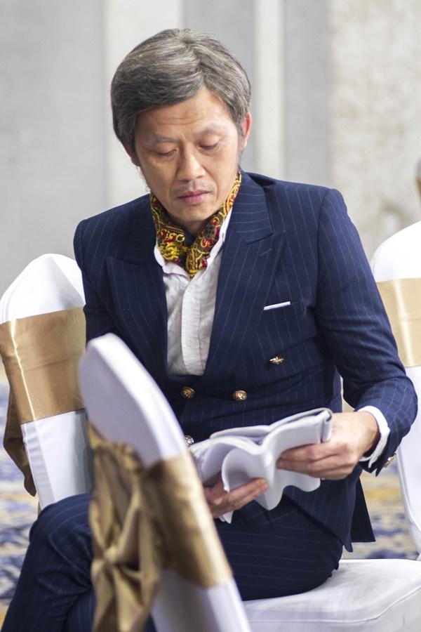 Hoài Linh làm đại gia trong phim Tết 2018 - Hình 2