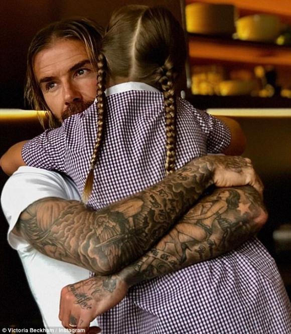 Muốn David Beckham không đi công tác, Harper móc tiền túi ra để trả lương cho bố - Hình 2