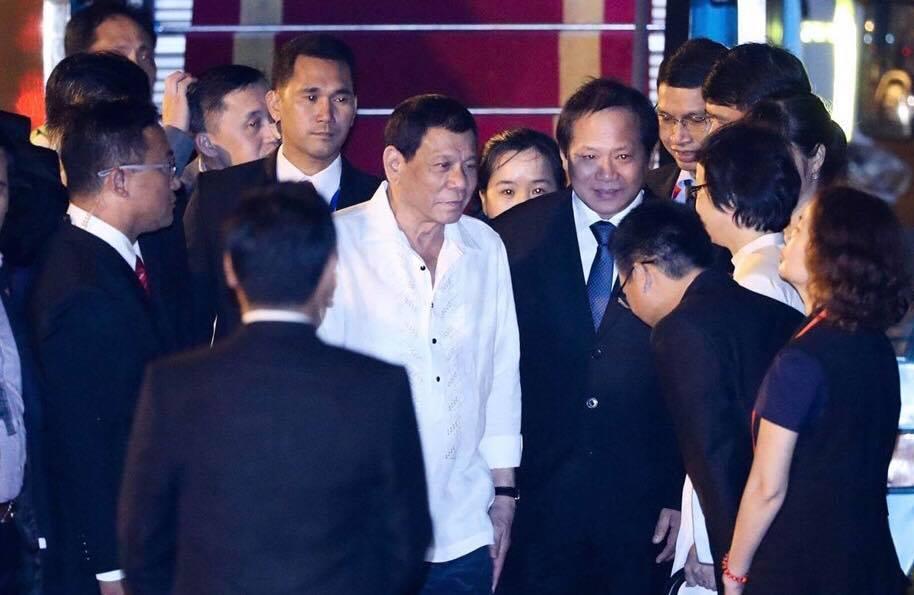 Tổng thống Philippines Duterte giản dị ở Đà Nẵng - Hình 1