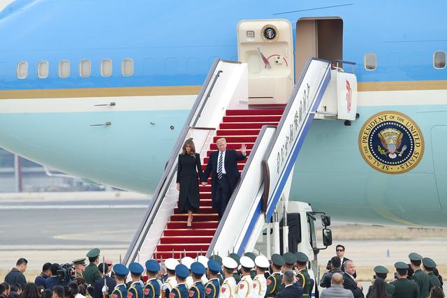 Tổng thống Trump được tiếp đón như thượng khách tại Trung Quốc - Hình 1