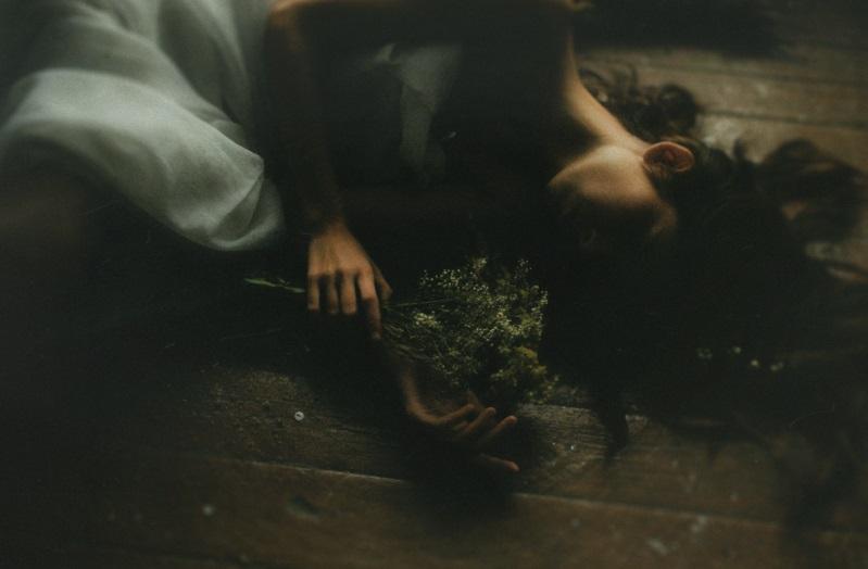 Trong hôn nhân, người ta không cần kẻ ngủ chung giường mà buồn vui chẳng ai thấu - Hình 1