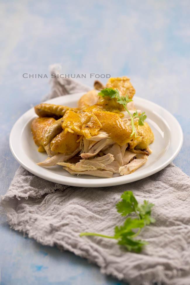[Chế biến] - Tuyệt chiêu làm gà nướng muối vàng ươm, thơm phức không cần lò nướng