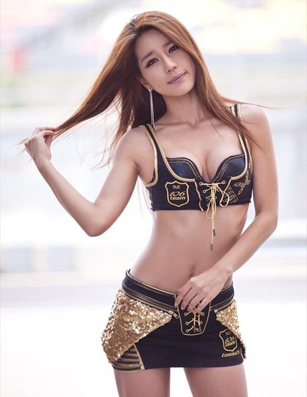 Park Si Hyun – Lạnh lùng nhưng đầy quyến rũ