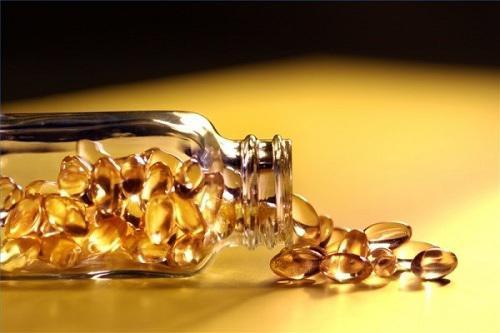 Là con gái nhất định phải biết hết những công dụng làm đẹp này của vitamin E - Hình 1