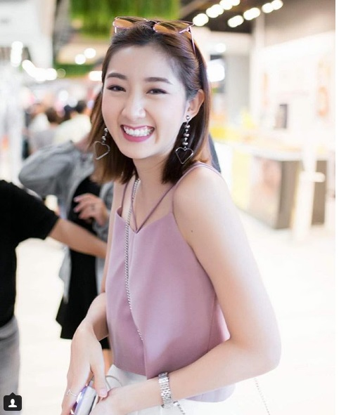 Cư dân mạng 'truy lùng' hội bạn gồm 5 hot girl siêu xinh của Thái Lan