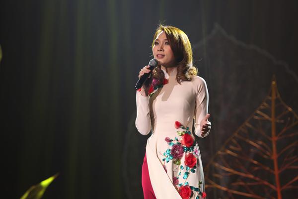 MC Long Vũ tái xuất dẫn chương trình Chào 2018 của VTV