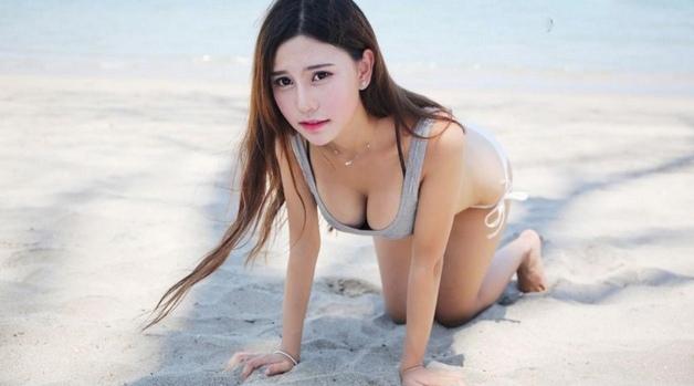 Zusy Trần quyến rũ với bikini và biển xanh