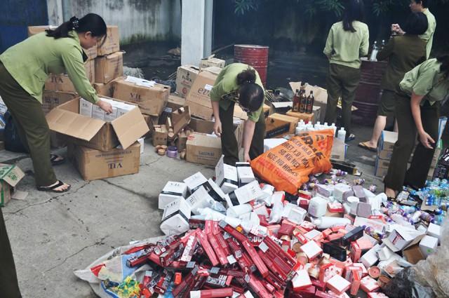 Nhiều cán bộ công chức bán hàng xách tay không rõ nguồn gốc - Hình 3