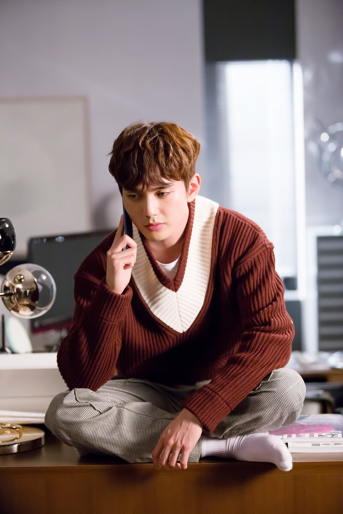 Yoo Seung Ho đã đẹp chết người, người yêu mới của anh còn xuất sắc hơn cả Kim So Hyun