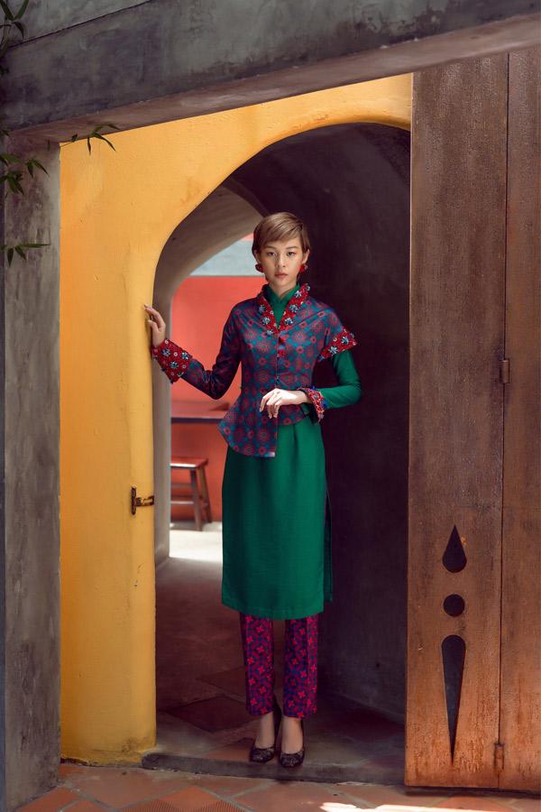 Phí Phương Anh diện áo dài gạch bông, hóa Cô Ba Sài Gòn cá tính - Hình 11