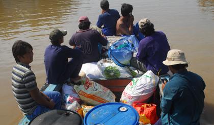 Tiền Giang hối hả sơ tán dân tránh bão Tembin - Hình 1
