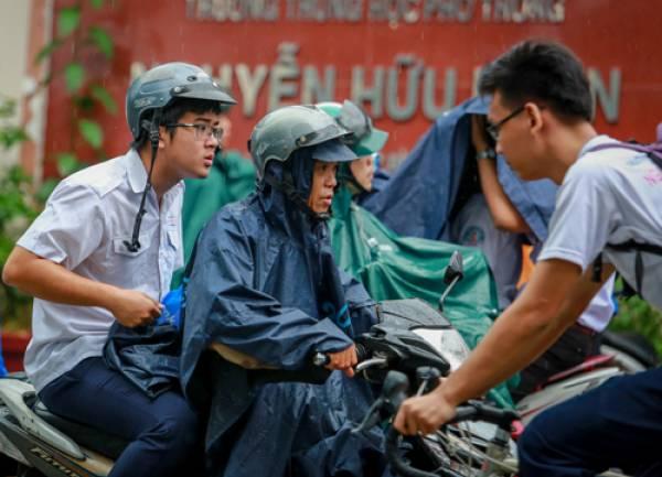 Toàn bộ học sinh Sài Gòn nghỉ học để tránh bão Tembin