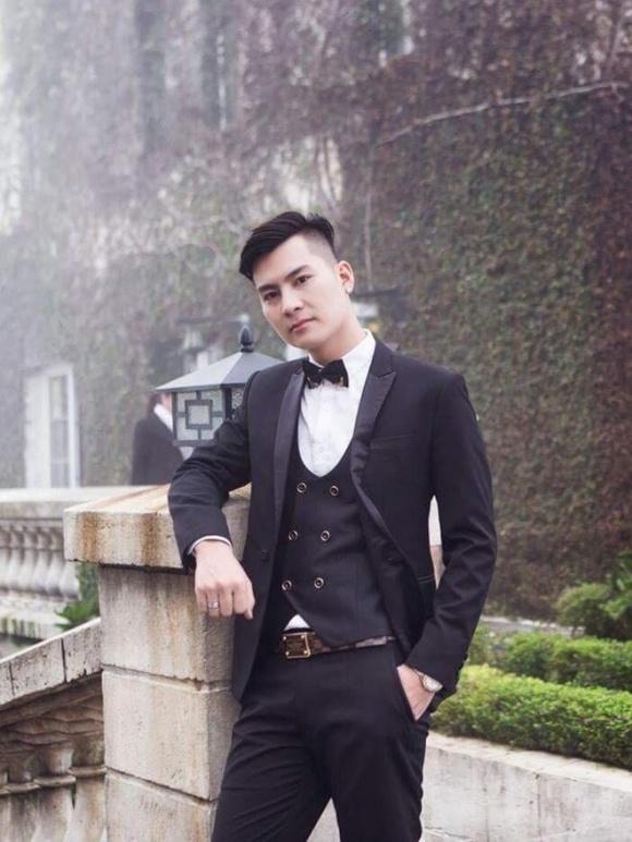 Những điều ít biết về ông xã kém đến 8 tuổi của nữ ca sĩ chuyển giới Lâm Khánh Chi
