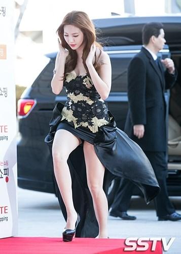 """ve dep nong bong cua my nhan han quoc co doi chan bac ty 10fae6 Vẻ đẹp nóng bỏng của mỹ nhân Hàn Quốc có """"đôi chân bạc tỷ"""""""