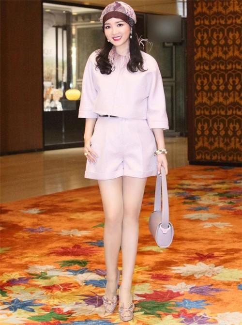 Suốt cả năm 2017, không hiểu vì đâu những sao Việt này chẳng chịu mặc đẹp?