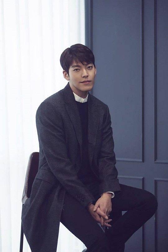 Đang chữa trị ung thư mà Kim Woo Bin còn đau đầu chuyện đòi nợ