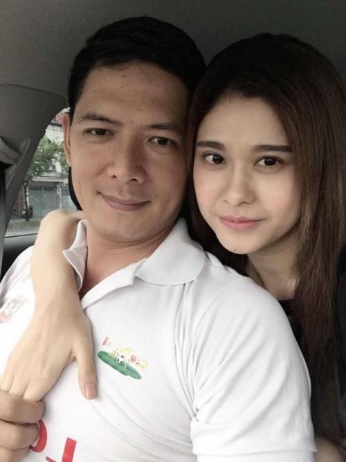 Chiếc áo mặc trong ảnh thân mật với Trương Quỳnh Anh gián tiếp tố cáo Bình Minh nói dối?