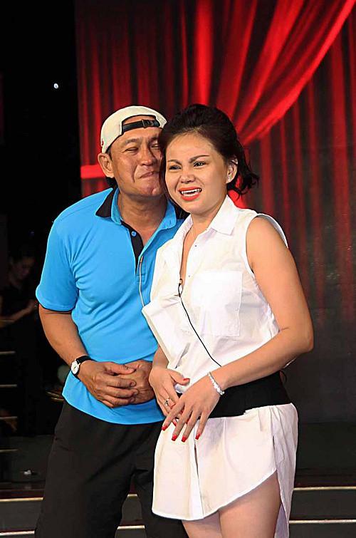 Mẹ đau đớn kể về cảnh chồng chung, con trai Lê Giang lên tiếng bảo vệ ba