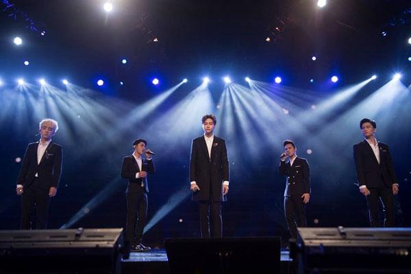 Bị chê bai live yếu hết lời, nhóm nhạc này vẫn được săn đón tại thị trường nước ngoài