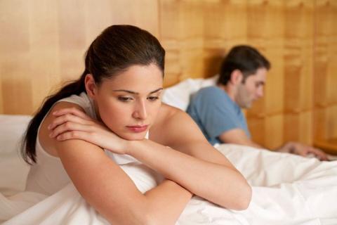 Chồng tự ti vì yếu sinh lý