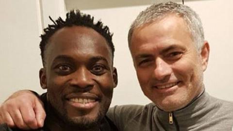 Cựu sao Chelsea đến M.U thăm thầy cũ Mourinho