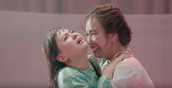 Minh Hằng xin cười nhẹ một cái khi bị nhắc lại scandal với Hồ Ngọc Hà